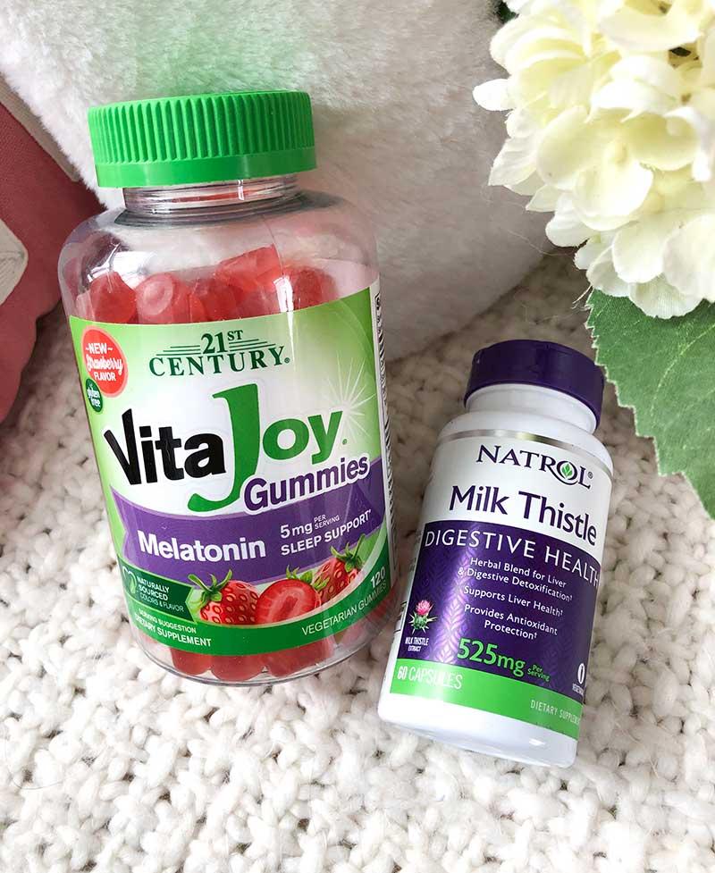melatonin gummies and milk thistle